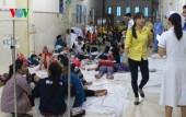 Hàng trăm công nhân nhập viện sau bữa ăn