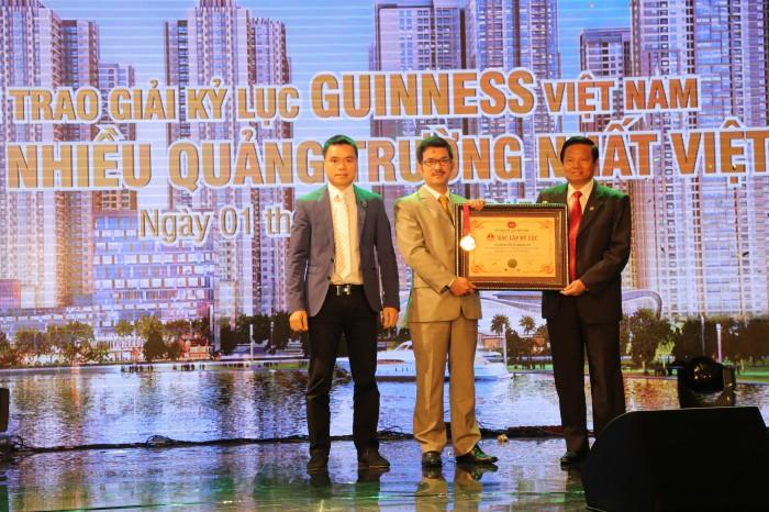 Goldmark City: Trao quà khủng, nhận kỷ lục guiness Việt Nam