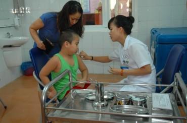 Tiếp tục đăng ký trực tuyến tiêm vắc xin Pentaxim