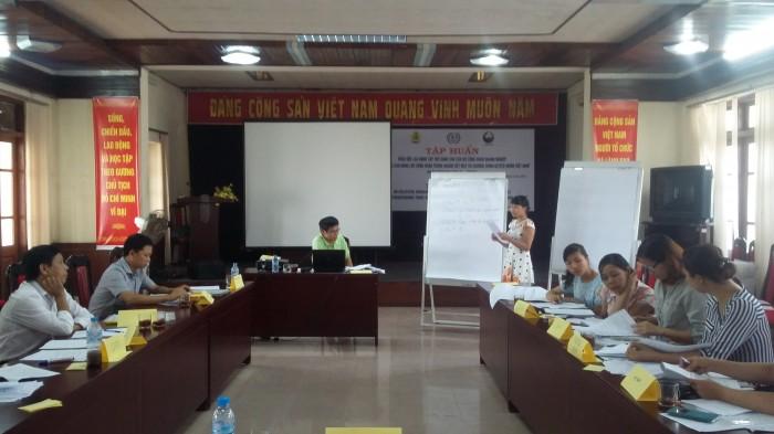 """LĐLĐ thành phố Hà Nội: Tổ chức tập huấn """"Thỏa ước Lao động tập thể"""""""