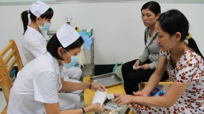 Lặng thầm đóng góp của phụ nữ ngành Y tế Thủ đô