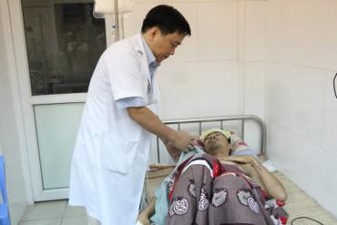 Lần đầu tiên thực hiện kỹ thuật khâu cầm máu tại Gan