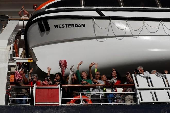 Nguy cơ lây nhiễm từ du khách trên tàu Westerdam đã rời Campuchia