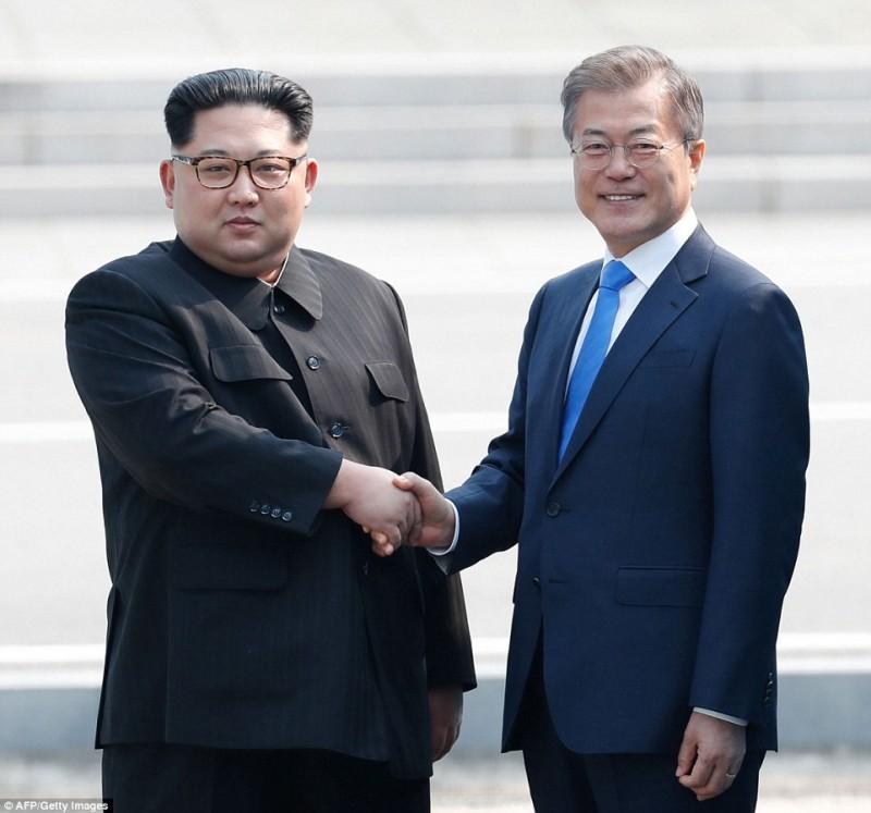 Tập trung thảo luận cải thiện quan hệ và hiệp định hòa bình