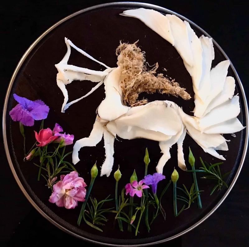 Biến thức ăn thành những tác phẩm nghệ thuật trong mùa chống dịch covid - 19