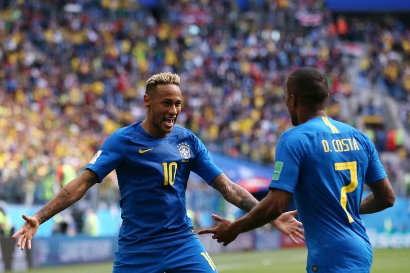 Brazil 2 - 0 Costa Rica:  Chiến thắng nghẹt thở ở những phút bù giờ!