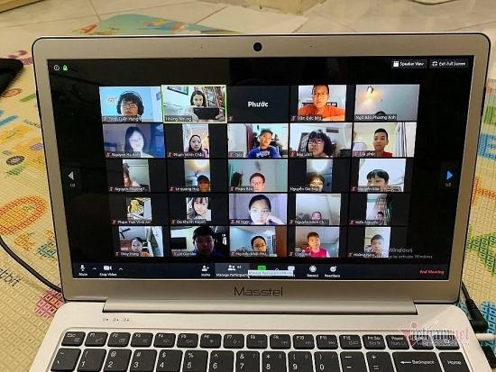 Nỗi lòng trăn trở của giáo viên khi dạy online