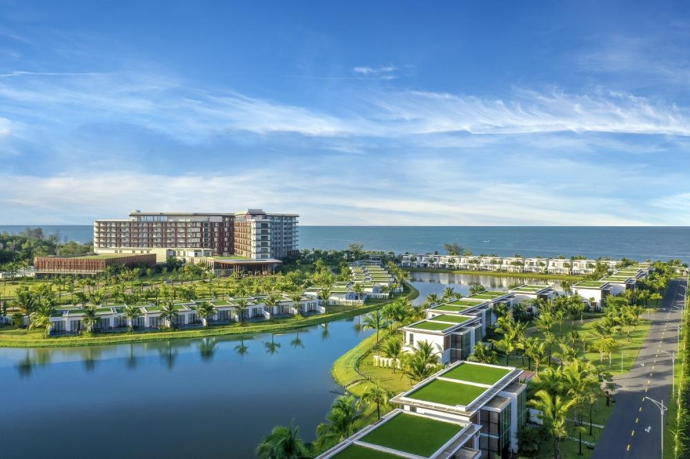 """Khu nghỉ dưỡng 5 sao Mövenpick Resort Waverly Phú Quốc do MIKGroup phát triển được phủ xanh từ """"lõi"""""""