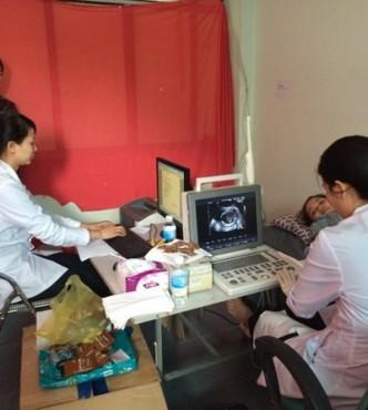 Tư vấn, khám sức khỏe sinh sản cho lao động nữ