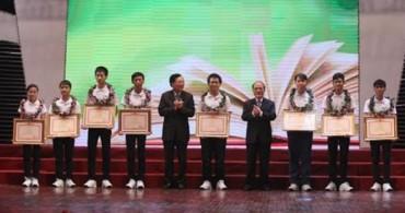 Bộ GD-ĐT tuyên dương học sinh đoạt giải Olympic quốc tế