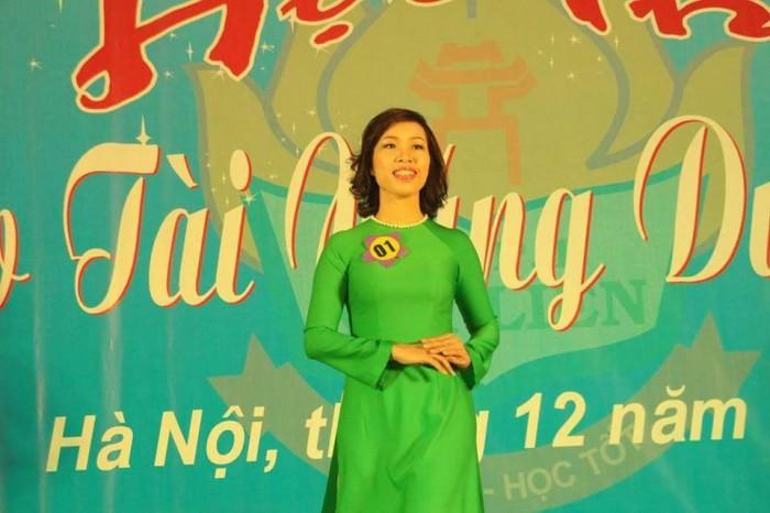 Hội thi 'Cô giáo tài năng, duyên dáng' trường THPT Kim Liên