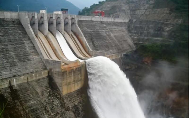 Nghệ An: Nhà máy thủy điện thuộc diện lớn nhất bắc miền Trung xả lũ theo lệnh vào 9h sáng nay