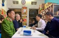 Lãnh đạo quận Đống Đa thăm hỏi thân nhân gia đình liệt sỹ Phạm Công Huy