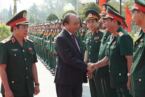 Thủ tướng làm việc tại Trường Sĩ quan Lục quân 2