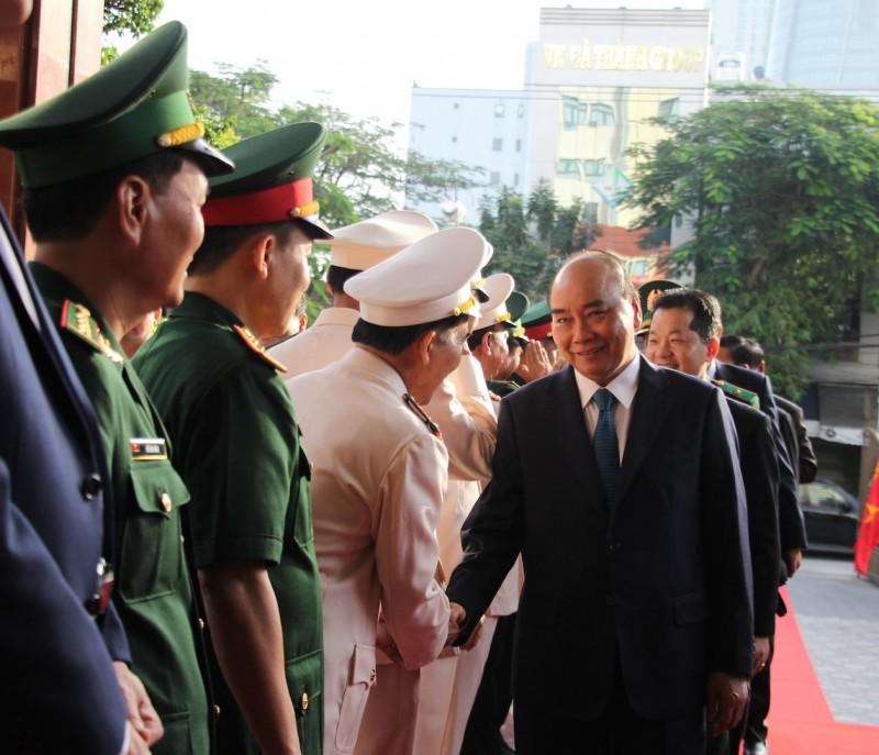 Thủ tướng chúc Tết lực lượng vũ trang và nhân dân thành phố Đà Nẵng