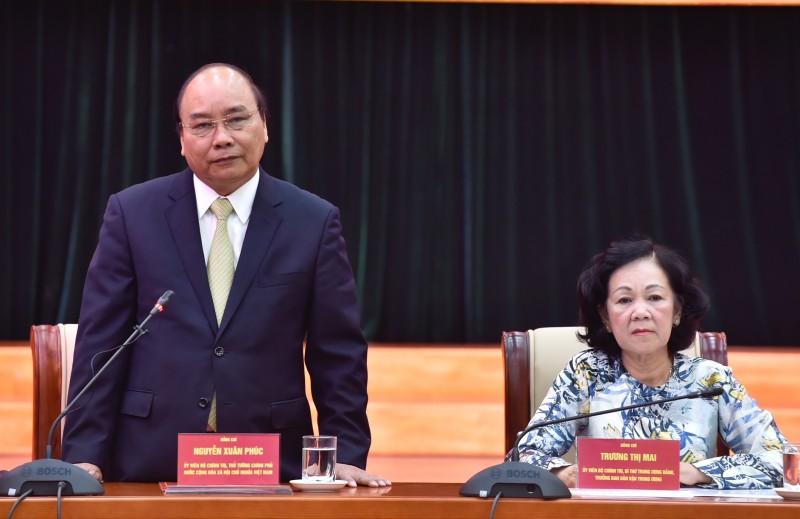 Thủ tướng gặp mặt cán bộ, công chức một số cơ quan Đảng