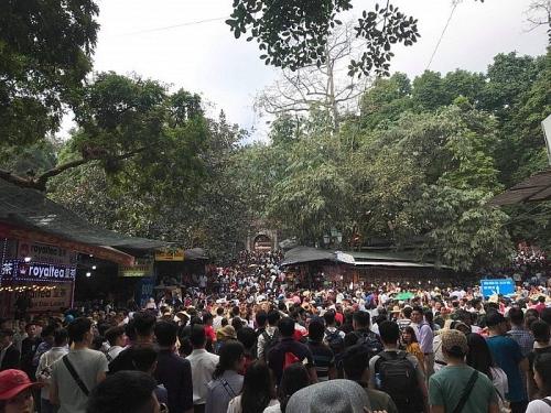Kiểm tra chùa, động tuyến Tuyết Sơn - Hương Đài, chùa Hương