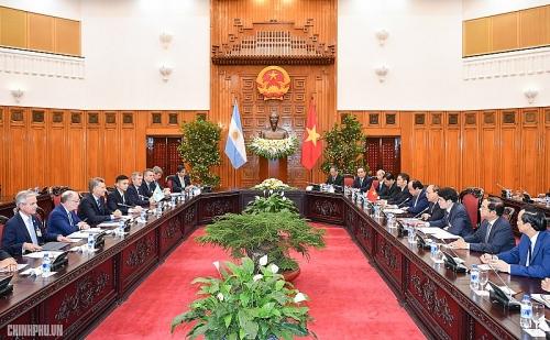 Việt Nam mong muốn củng cố quan hệ đối tác toàn diện với Argentina
