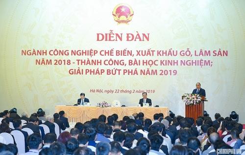 Thủ tướng Nguyễn Xuân Phúc: Chúng ta cần biến Việt Nam trở thành một công xưởng đồ gỗ
