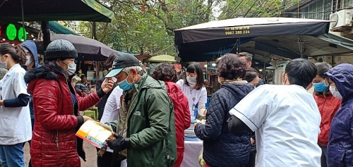 Mặt trận tổ quốc quận Đống Đa tổ chức đoàn giám sát công tác phòng chống dịch bệnh