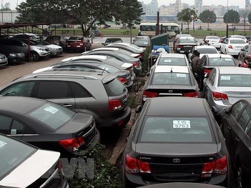 Tạm dừng giấy phép kinh doanh doanh nghiệp nhập khẩu ô tô có bản đồ vi phạm chủ quyền