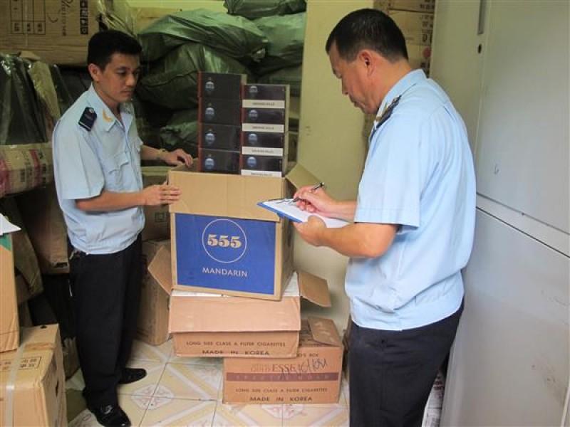 Bắt xe vận chuyển 35.000 bao thuốc lá nhập lậu