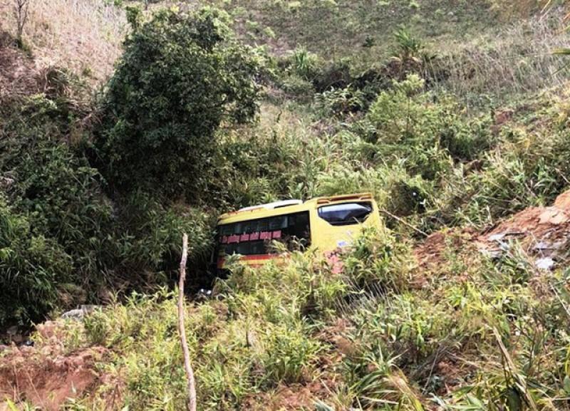 Điều tra, làm rõ trách nhiệm của chủ xe vụ tai nạn tại đèo Lò Xo (Kon Tum)