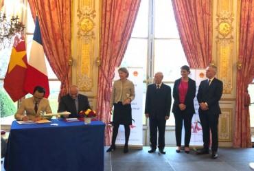 Tập đoàn FLC và Airbus chính thức ký kết hợp đồng thoả thuận mua 24 máy bay A321NEO tại Pháp cho Bamboo Airways