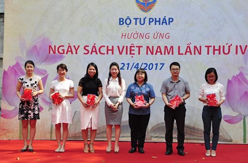 Bộ Tư pháp huởng ứng Ngày sách Việt Nam