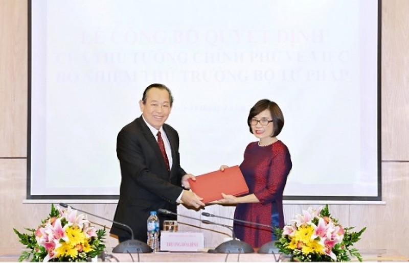 Trao quyết định bổ nhiệm Thứ trưởng Bộ Tư pháp