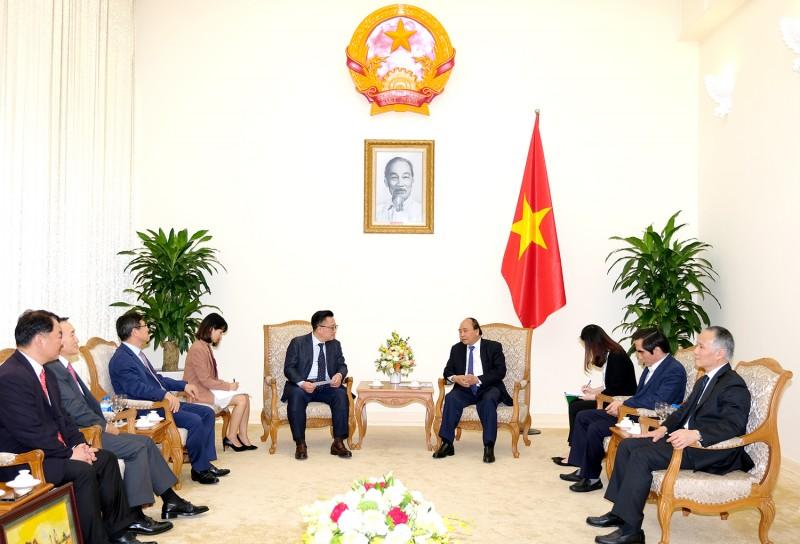 Thủ tướng tiếp Tổng giám đốc điều hành Tập đoàn Samsung
