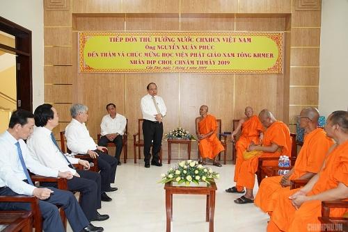 Thủ tướng thăm Học viện Phật giáo Nam tông Khmer