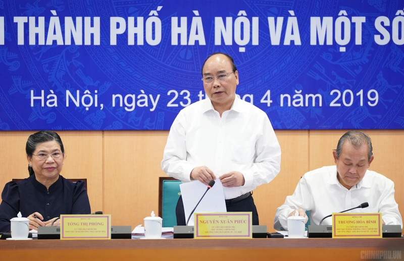 Thủ tướng chủ trì buổi làm việc với Hà Nội và 12 tỉnh, thành