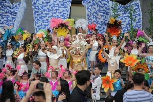 Mãn nhãn với những vũ điệu đường phố rực rỡ mở màn Carnaval Hạ Long 2019