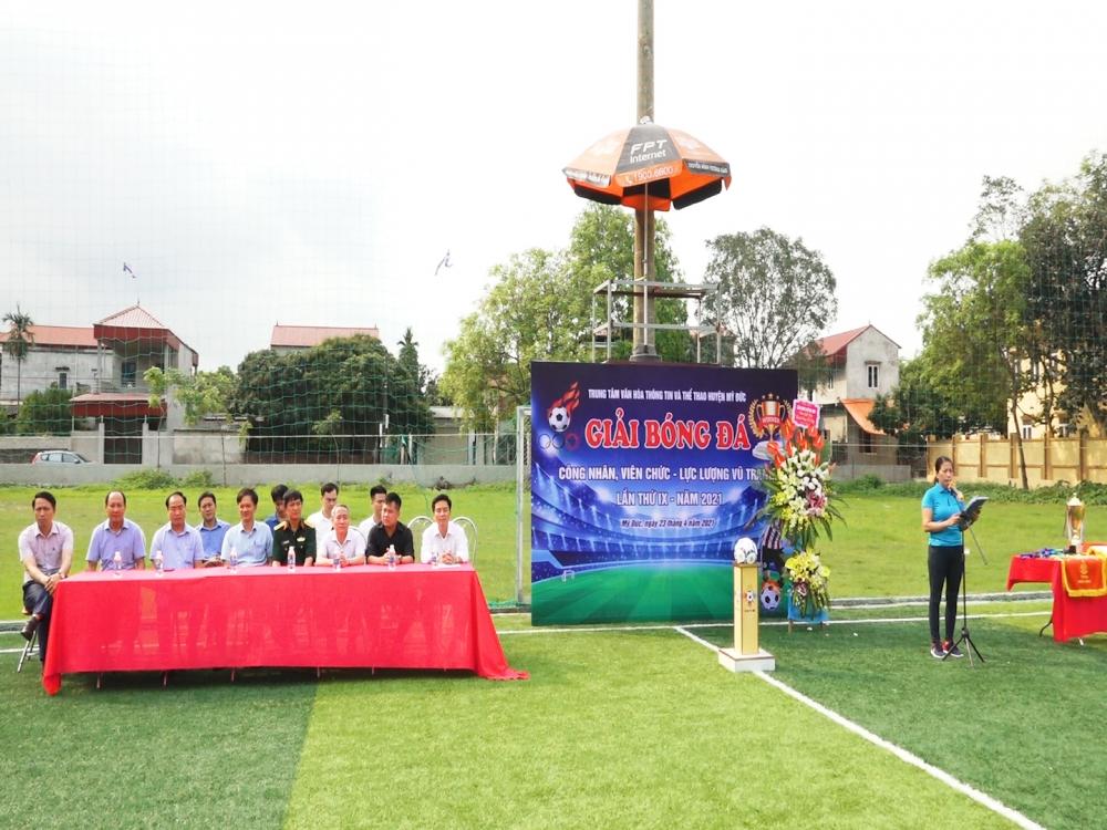 Hơn 100 vận động viên tham gia giải bóng đá công nhân viên chức, lao động huyện Mỹ Đức