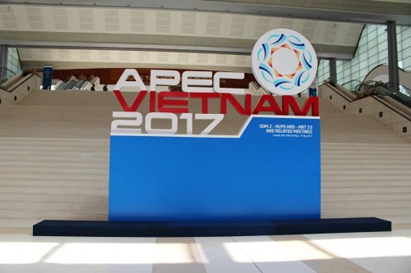 Tập trung rà soát việc triển khai chủ đề và các ưu tiên của năm APEC 2017