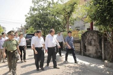 Phó Thủ tướng Thường trực thăm ngư dân Quảng Bình