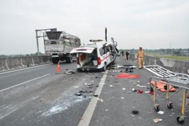 Khẩn trương triển khai các giải pháp bảo đảm trật tự an toàn giao thông