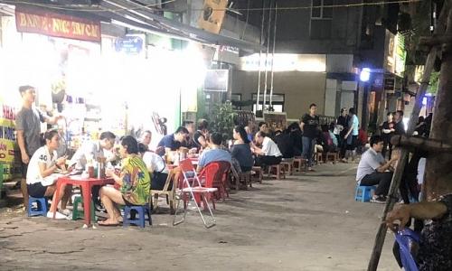 Kinh doanh ăn uống lấn chiếm vỉa hè