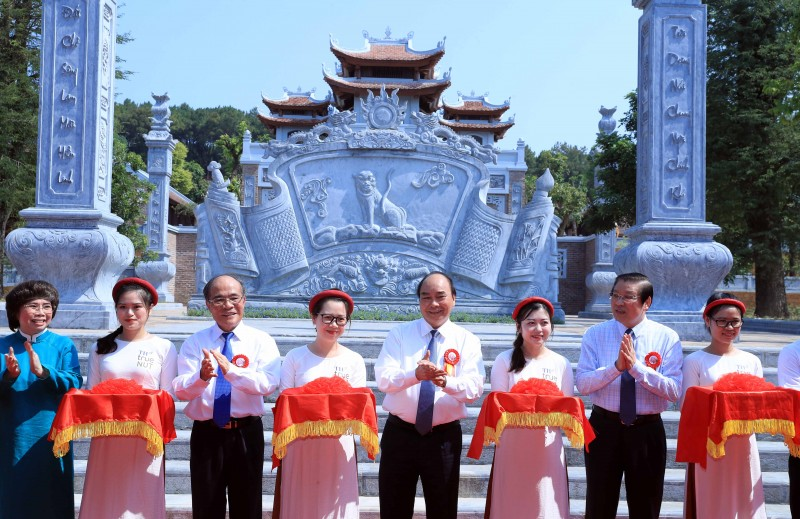 Thủ tướng dự lễ khánh thành Đền Chung Sơn, Nam Đàn, Nghệ An