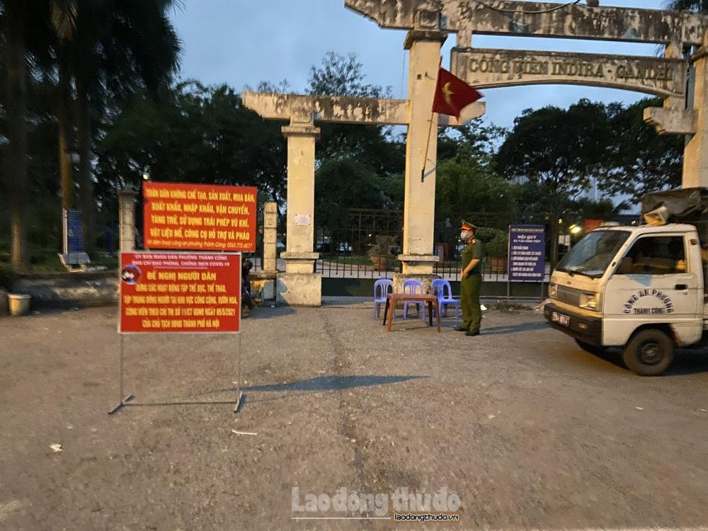 Phường Thành Công duy trì chốt trực trước cổng Công viên Indira Gandhi