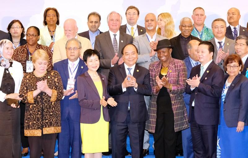 Thủ tướng tiếp lãnh đạo các tổ chức quốc tế