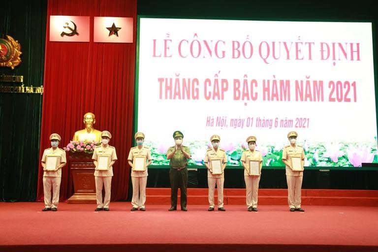 Công an thành phố Hà Nội: Công bố quyết định thăng cấp bậc hàm năm 2021
