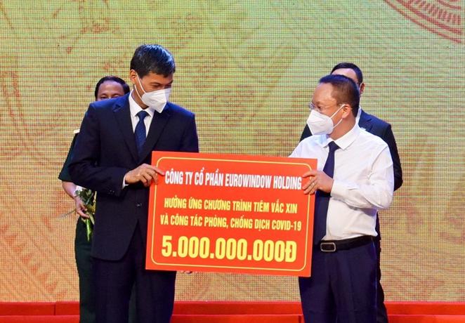 Eurowindow Holding ủng hộ 5 tỷ đồng, chung tay cùng Hà Nội đẩy lùi Covid-19