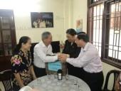 Phó Chủ tịch Thường trực Quốc hội Tòng Thị Phóng thăm các gia đình chính sách ở Đà Nẵng