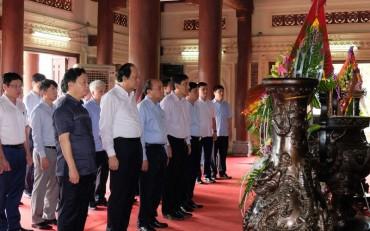 Thủ tướng Nguyễn Xuân Phúc thăm các địa chỉ đỏ tại Nghệ An
