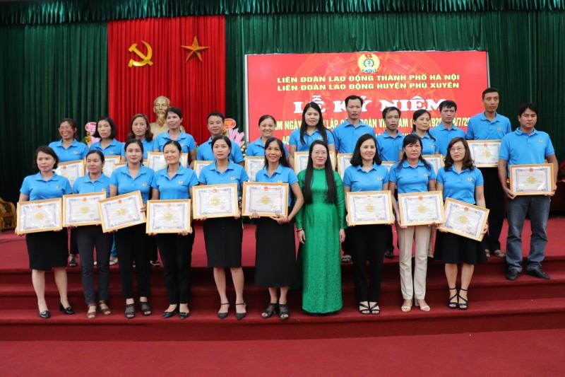 LĐLĐ huyện Phú Xuyên: Tự hào 40 năm xây dựng và trưởng thành