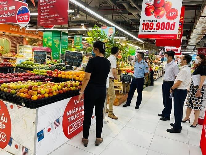 Đảm bảo đầy đủ hàng hóa thiết yếu phục vụ nhân dân