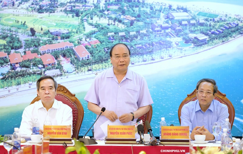 """Thủ tướng Nguyễn Xuân Phúc: Du lịch Quảng Bình như """"viên kim cương xanh"""""""