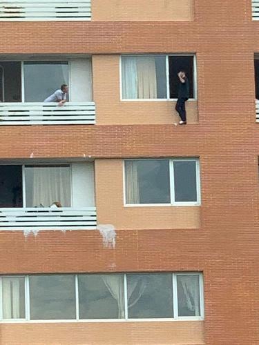 Giải cứu một người nước ngoài có ý định tự tử